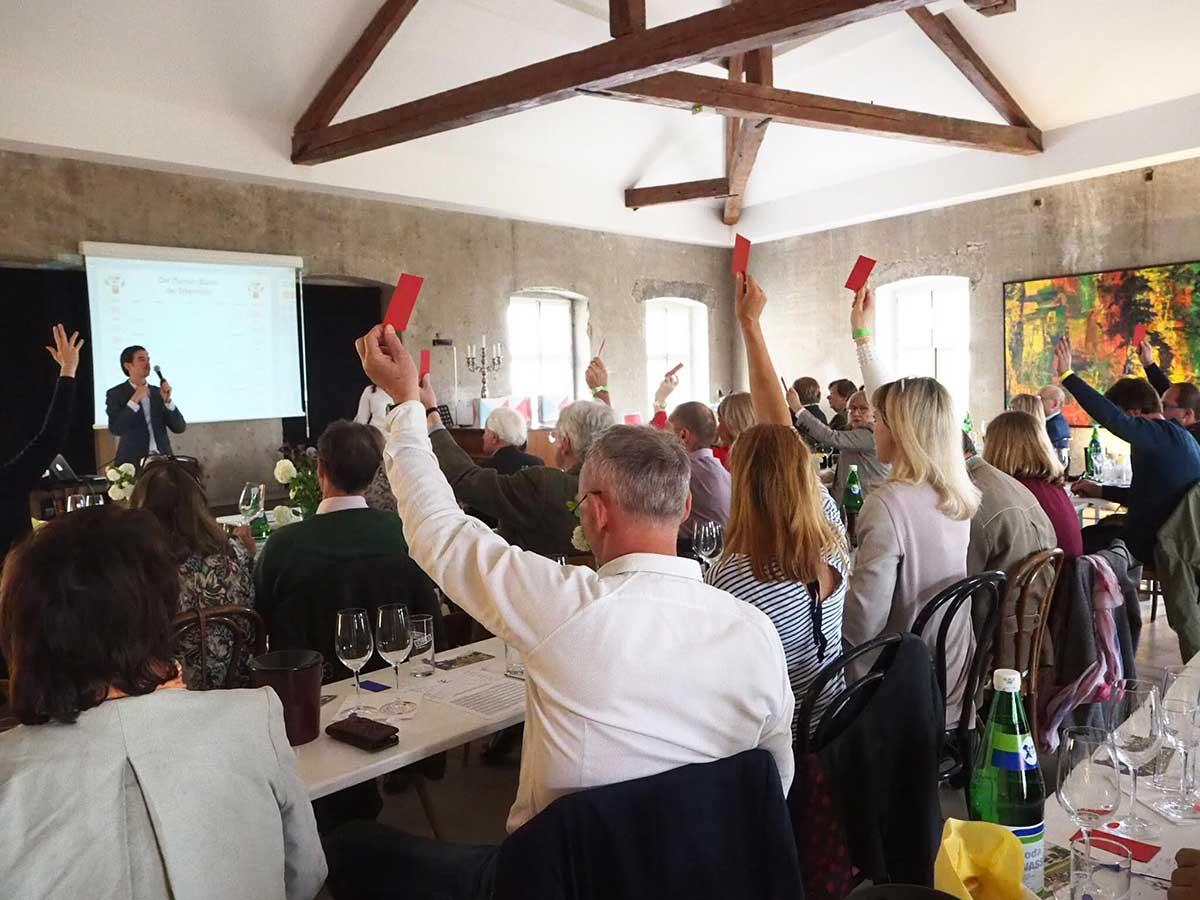 Hochzeitsschloss-Hollenburg-Szenerie-Business-Teambuilding-Das-Weinduell-Abstimmung_web